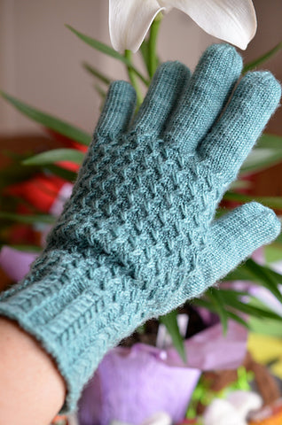 One Lanark glove modeled on the left hand