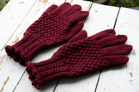 Lanark gloves in burgundy