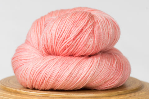 Messa di voce hand-dyed yarn in Cotton Candy pink