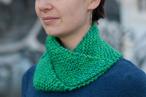 Dissymmetry folded assymetrical cowl