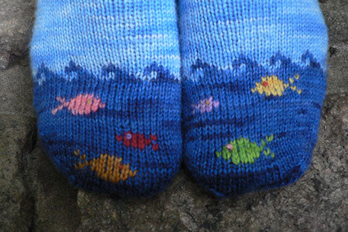 Fish socks knitting kit