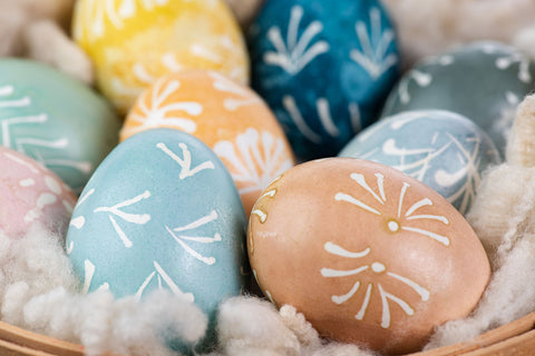 Tutorial for how to dye Easter eggs naturally using food