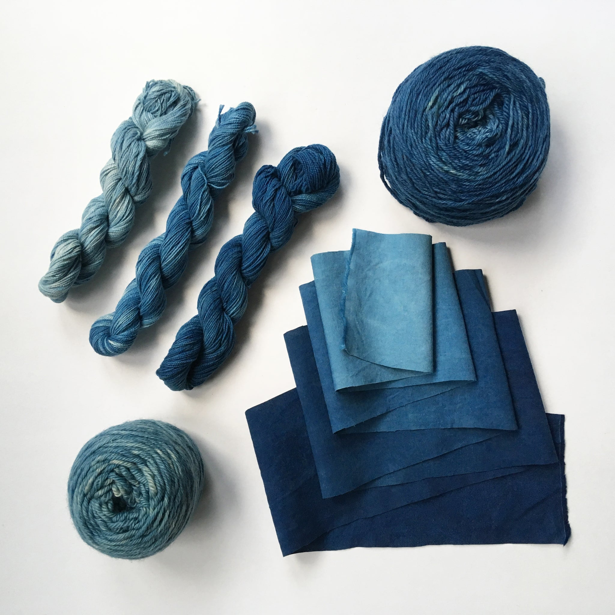 Examples of yarn and fabrics dyed with indigo kit
