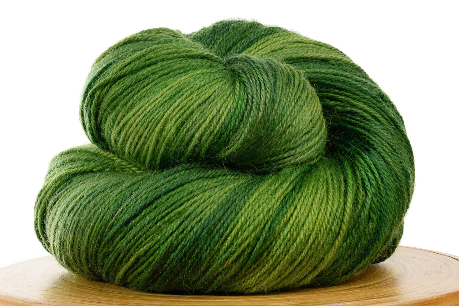 Pizzicato hand-dyed BFL sock yarn in Tree Frog