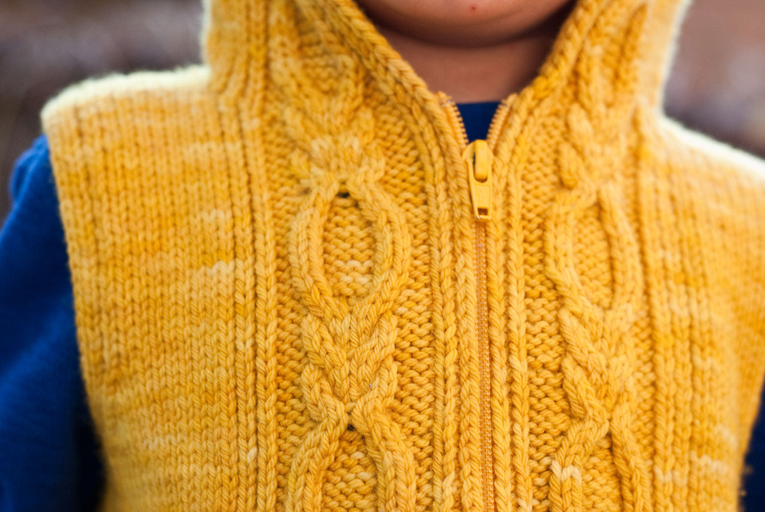 Autumn Hike kid's hoodie front cable detail