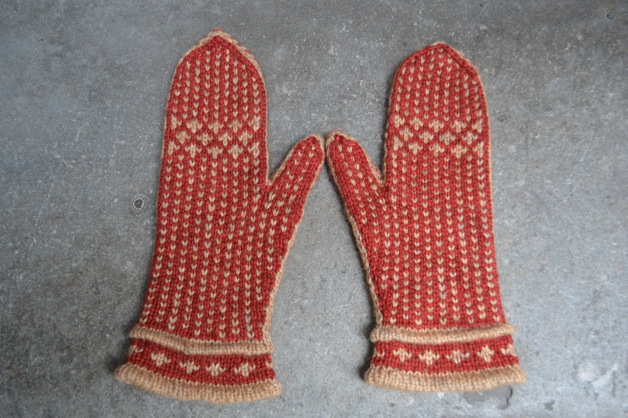 Chili Powder Mittens
