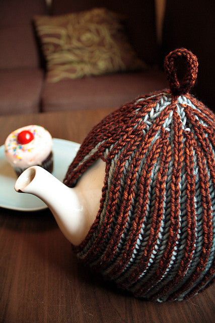 Cinnamon Brioche Tea Cozy Knitting Kit