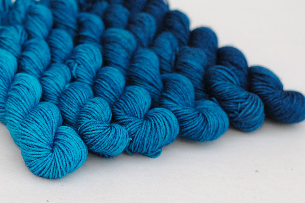 Crescendo hand-dyed gradient yarn set - Deep Blue Sea