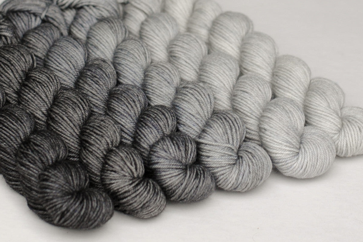 Crescendo hand-dyed gradient yarn set - Greyscale