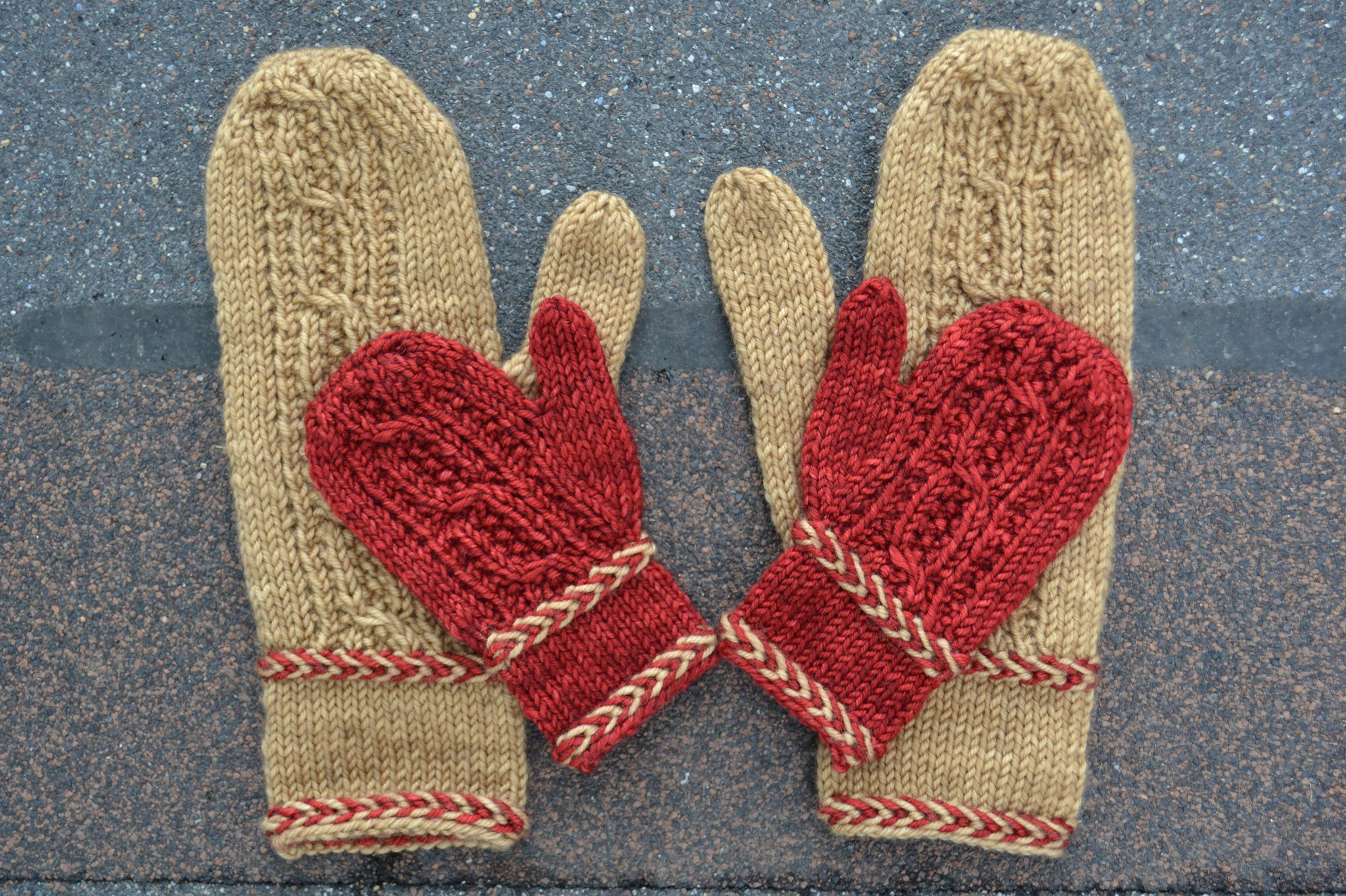 Macon Mittens knitting pattern - Sweet Paprika Designs