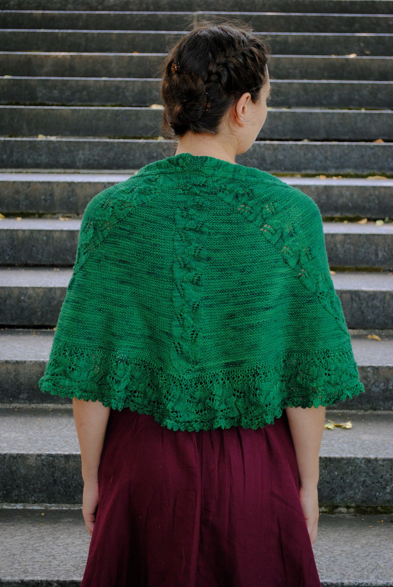 Medeina lace shawl pattern with leaf motifs