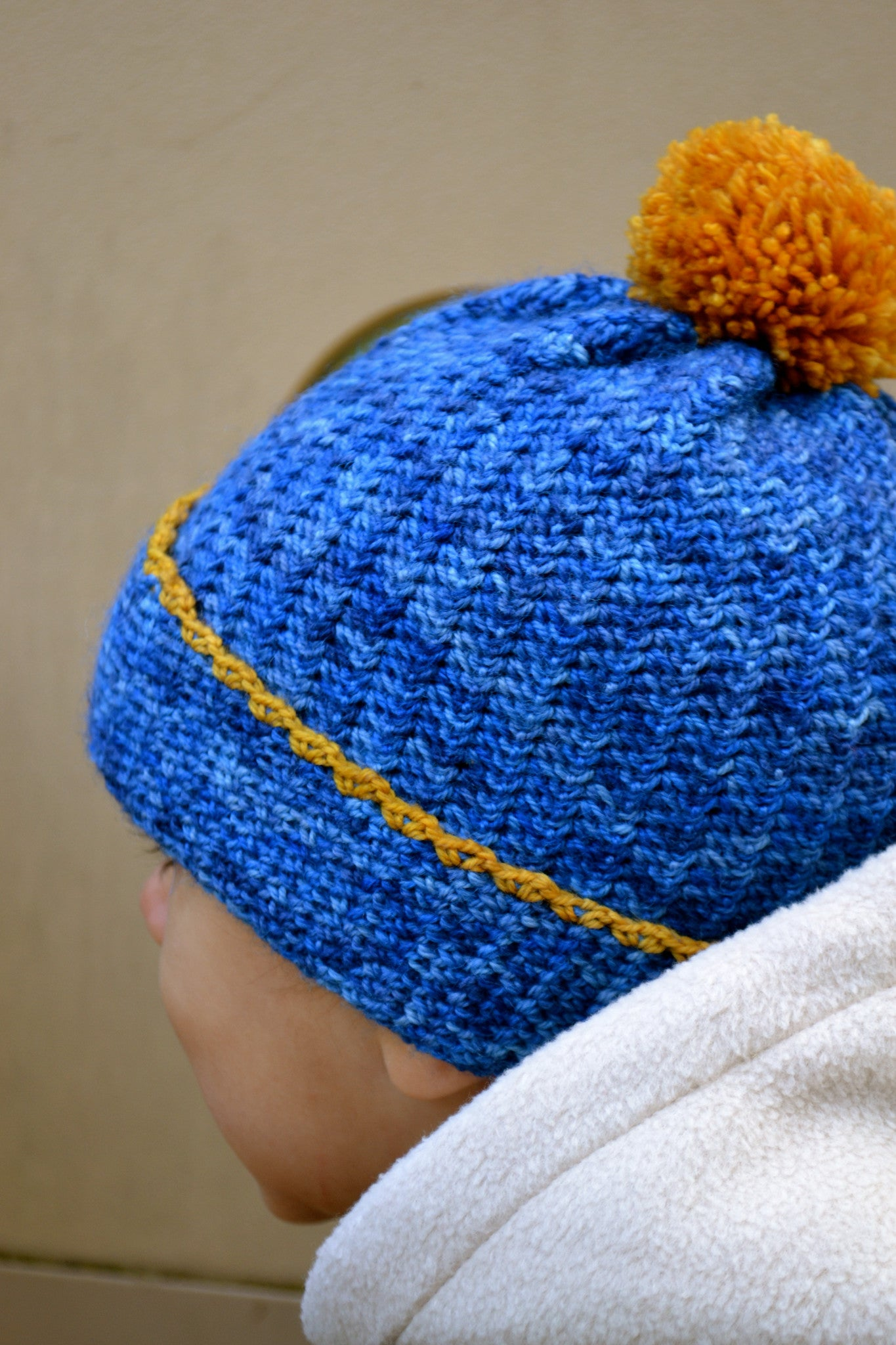 Petit Henri crochet hat with pompom