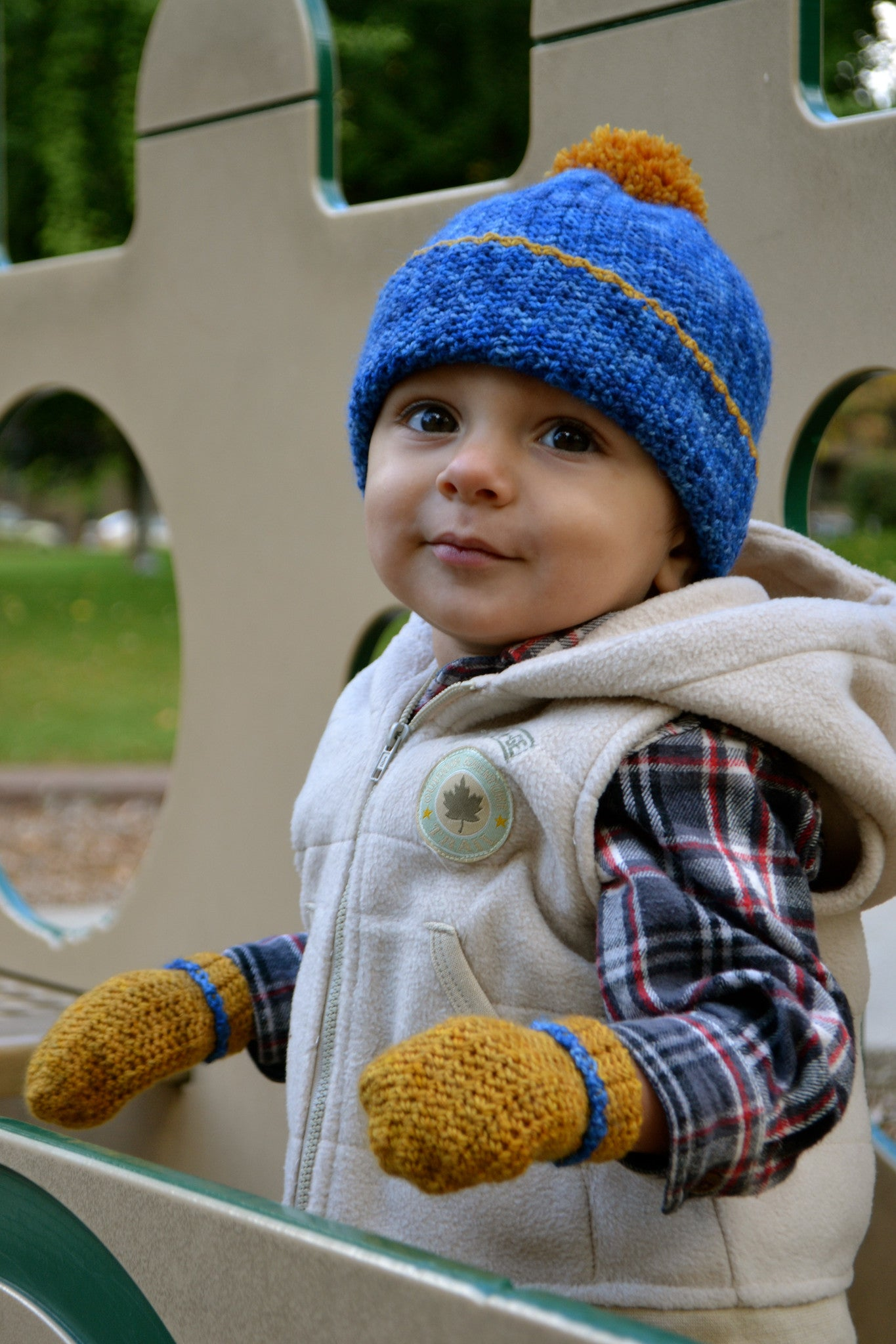 Petit Henry crochet hat and mittens. Petit Henry crochet hat and mittens ·  Petit Henri crochet hat with pompom ddce0fc07b26