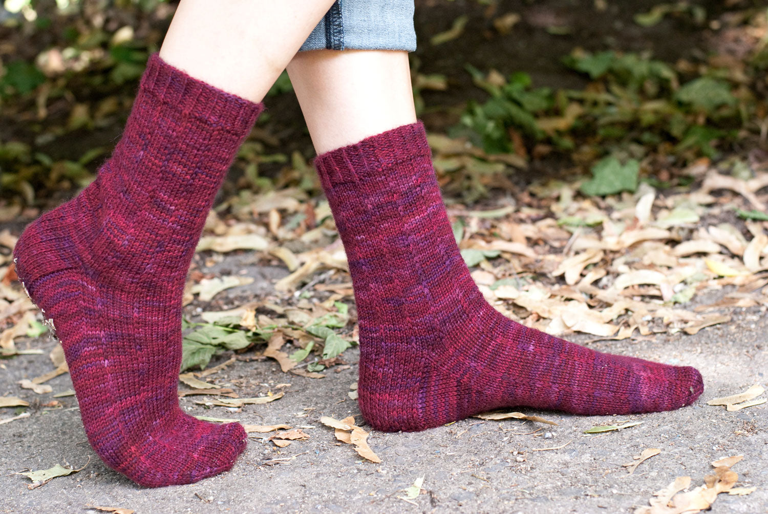 Purple palestra pizzicato pinstripe sock knitting pattern
