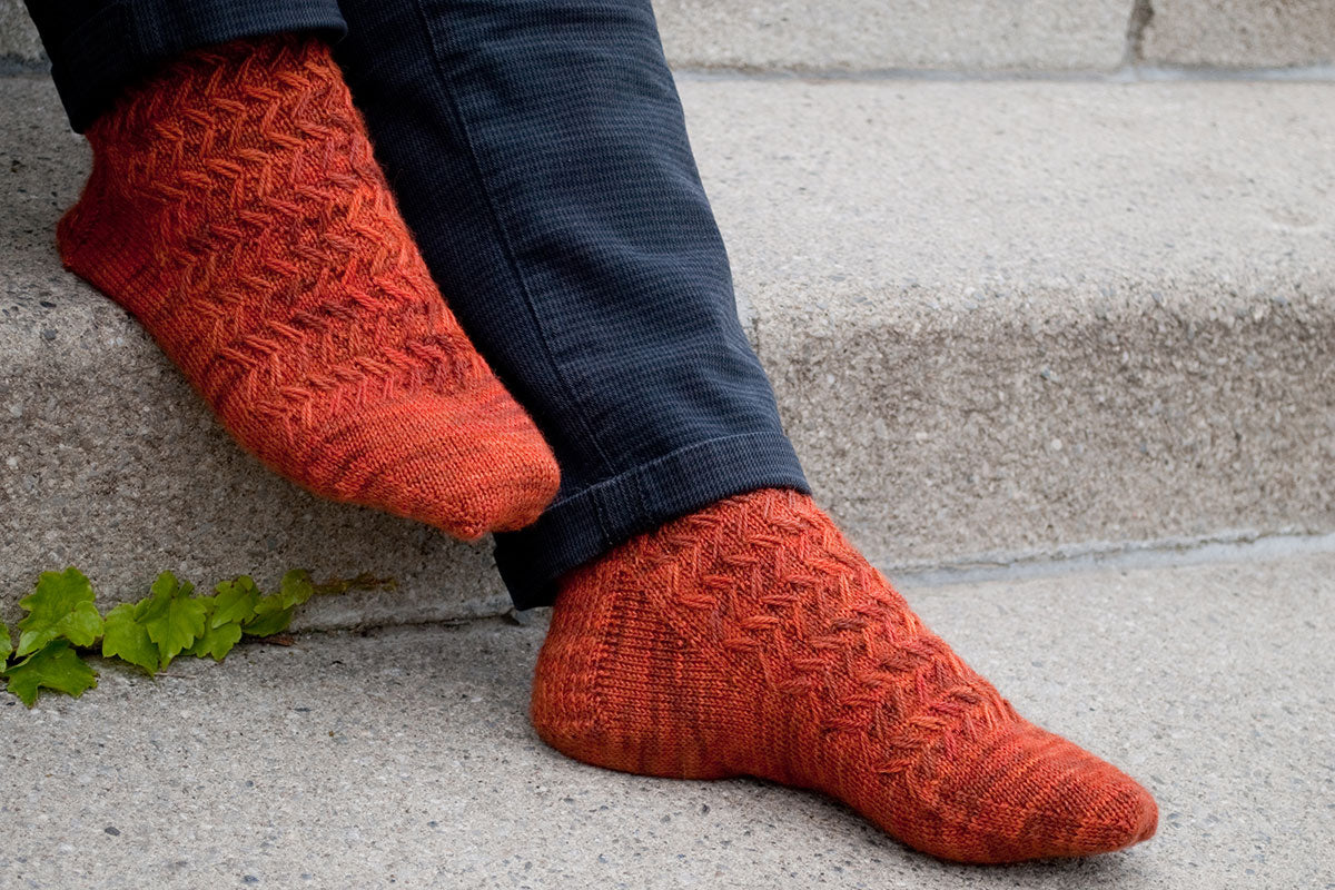 Wayfaring Stranger men's sock pattern with zig-zag stitch