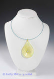 Magic Drops: Pale Yellow with Glass Pearl