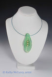 Magic Shell: Green with 3 Glass Pearls