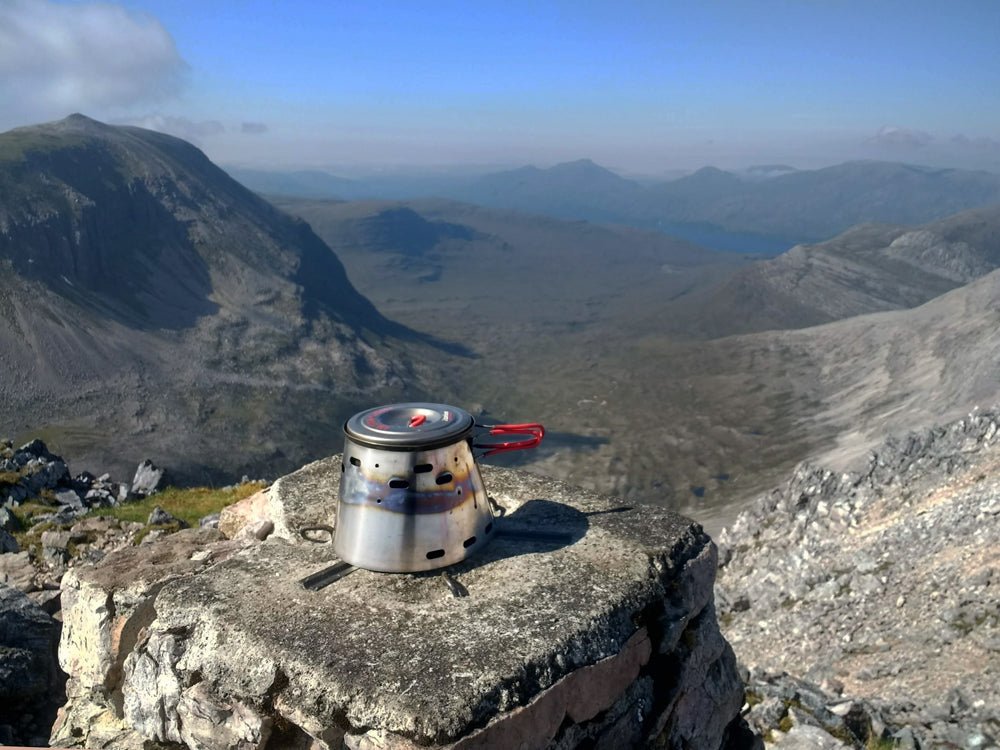 Jason Cole's trip to Ben Eighe in Scotland brings us these stunning pictures of his Sidewinder Ti-Tri and Evernew 900.