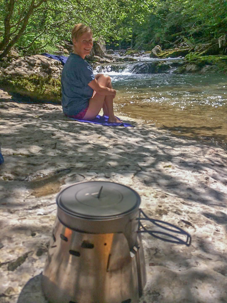 John Dawe sends us this picture from his Pyrenean making tea in the Ordesa Valley