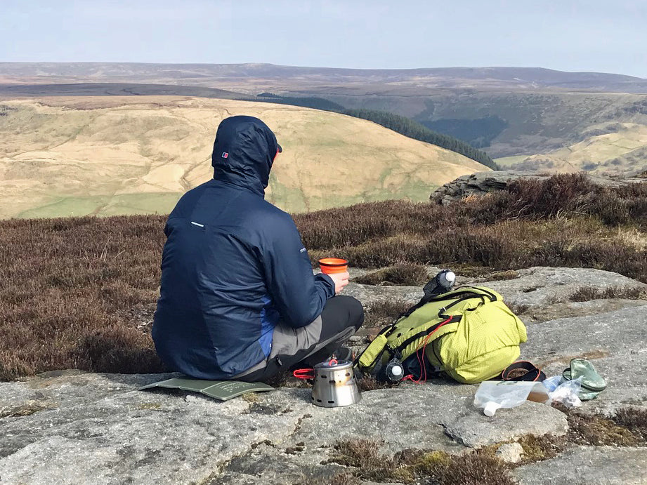 David Vaughan sends us this picture from the UK's Peak District with his Evernew 600 Sidewinder!