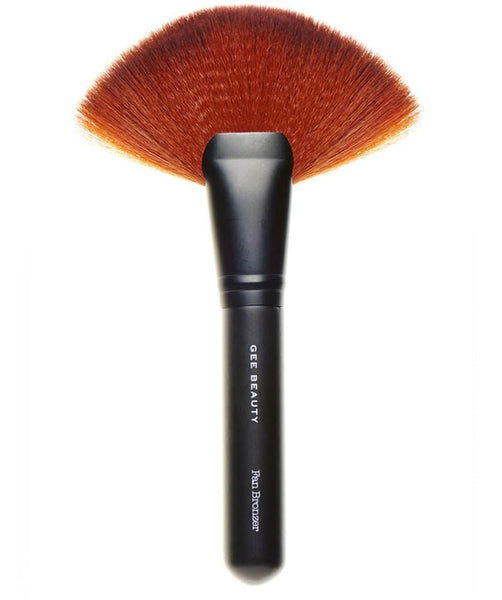 Gee Beauty Fan Brush