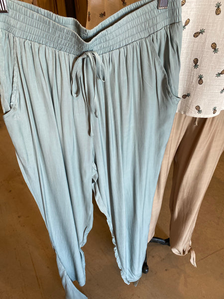 Flowy Pant w/Tie Bottom