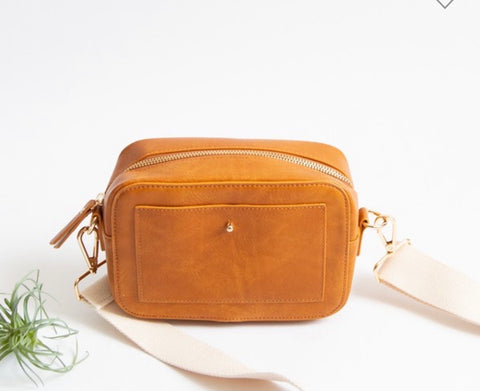 Small Wanderlust Crossbody