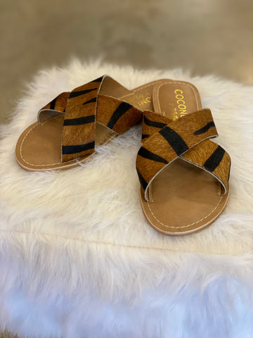 Pebble Tiger Sandal