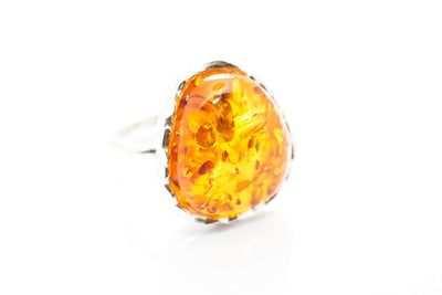 Baltic Beauty Rings Hammered Frame Amber Ring