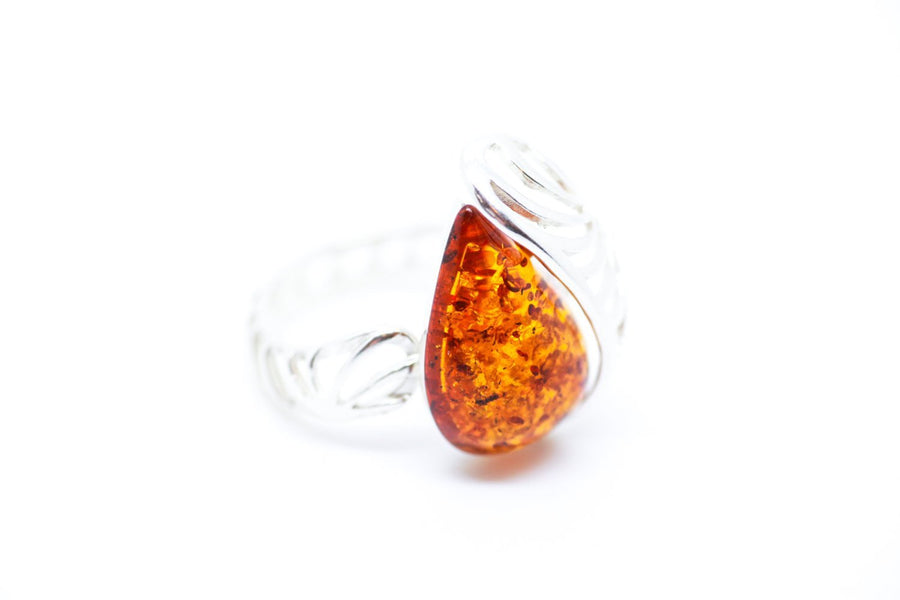 Shell Frame Amber Ring
