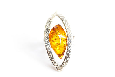 Baltic Beauty Rings Silver Frame Oval Amber Ring