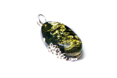 Green Amber Floral Pendant