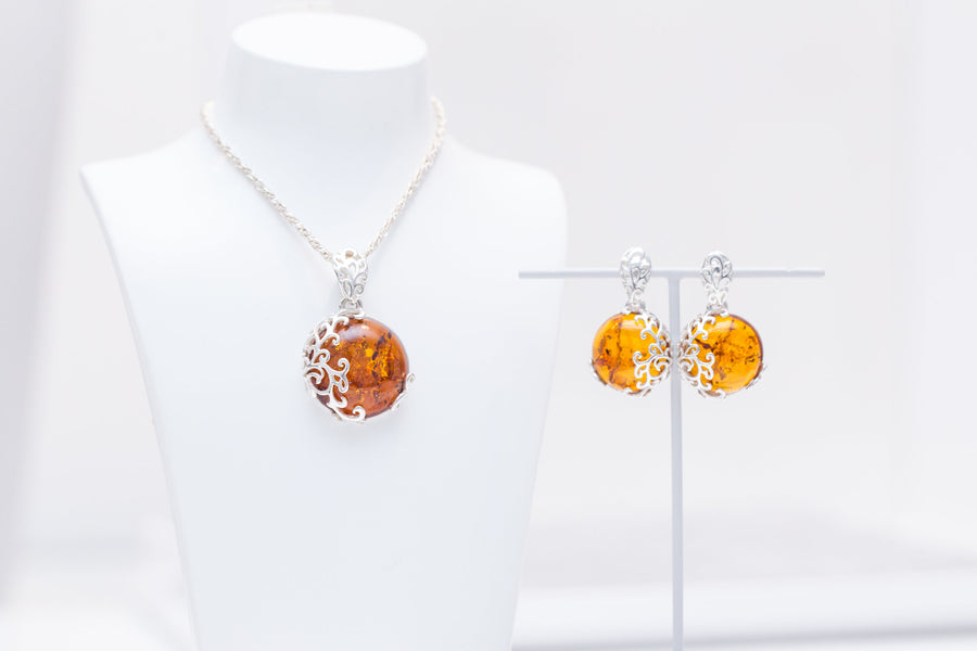 Filigree Amber Pendant & Earrings Jewellery Set