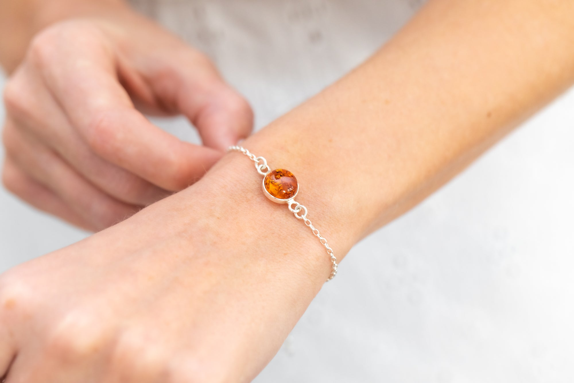 ESSENTIALS Link Chain Amber Bracelet