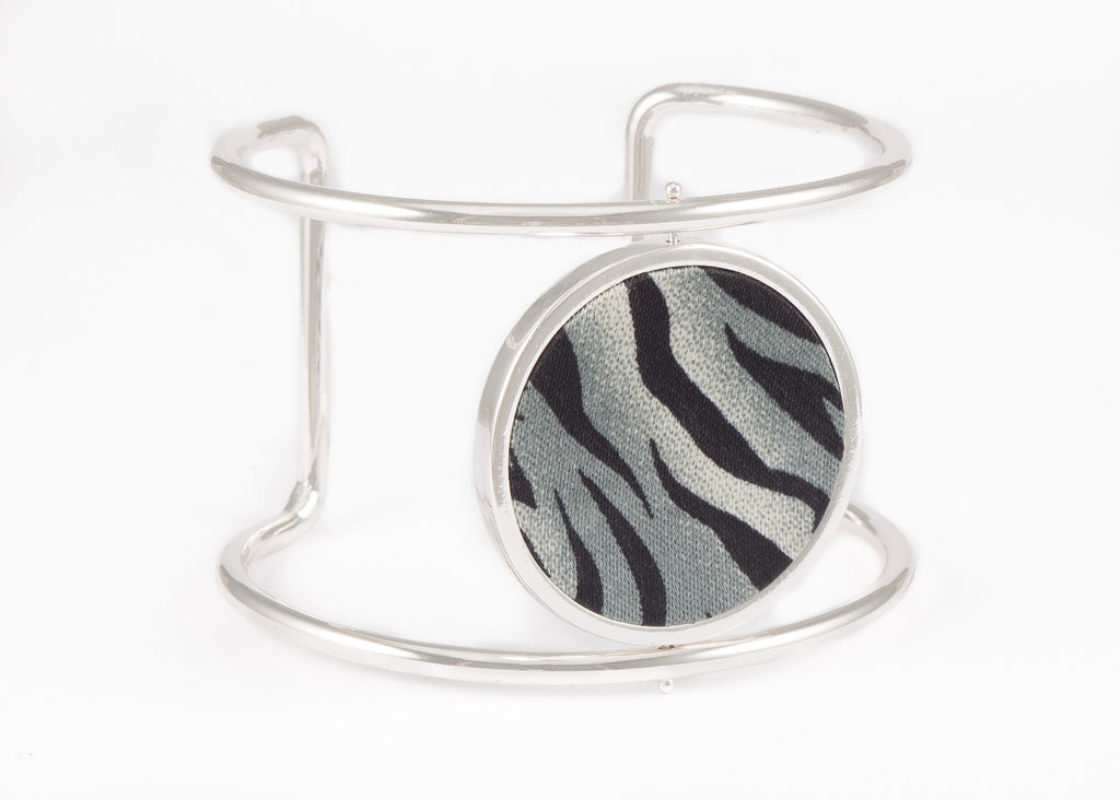 Reversible Circle Cuff Bracelet in Animal Instincts (silver)