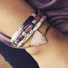 Lily Dilly Trillion Drawcord Bracelet in Gold/Rose Quartz