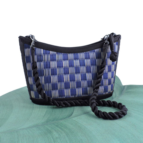 Small Curve Design - Blue and Natural Checkered