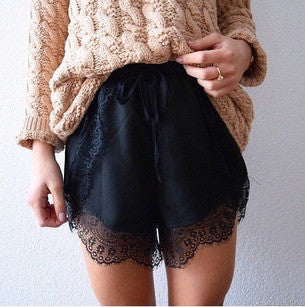Black Elastic Waist Contrast Lace Shorts - Crystalline