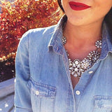 Lifestyle Rhinestone Snow Flower Crystal Resin Statement Fashion Necklace