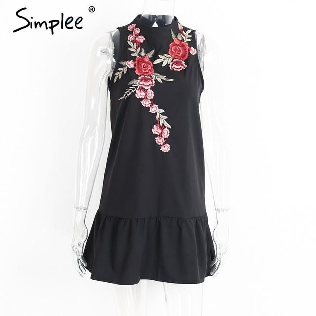 Flower Embroidery Dress Sleeveless Halter Evening Dress New Pleated Backless Winter