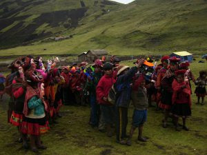 The kids sing a Quechuan song to say thank you