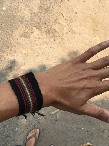 Meriem-TOP-volunteer-handwoven-bracelet