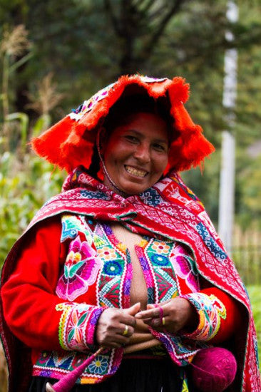 Juana Paola, former president of the Huaran weaving association, proudly claims knowing 280 traditional designs, for which she only uses her memory as reference.