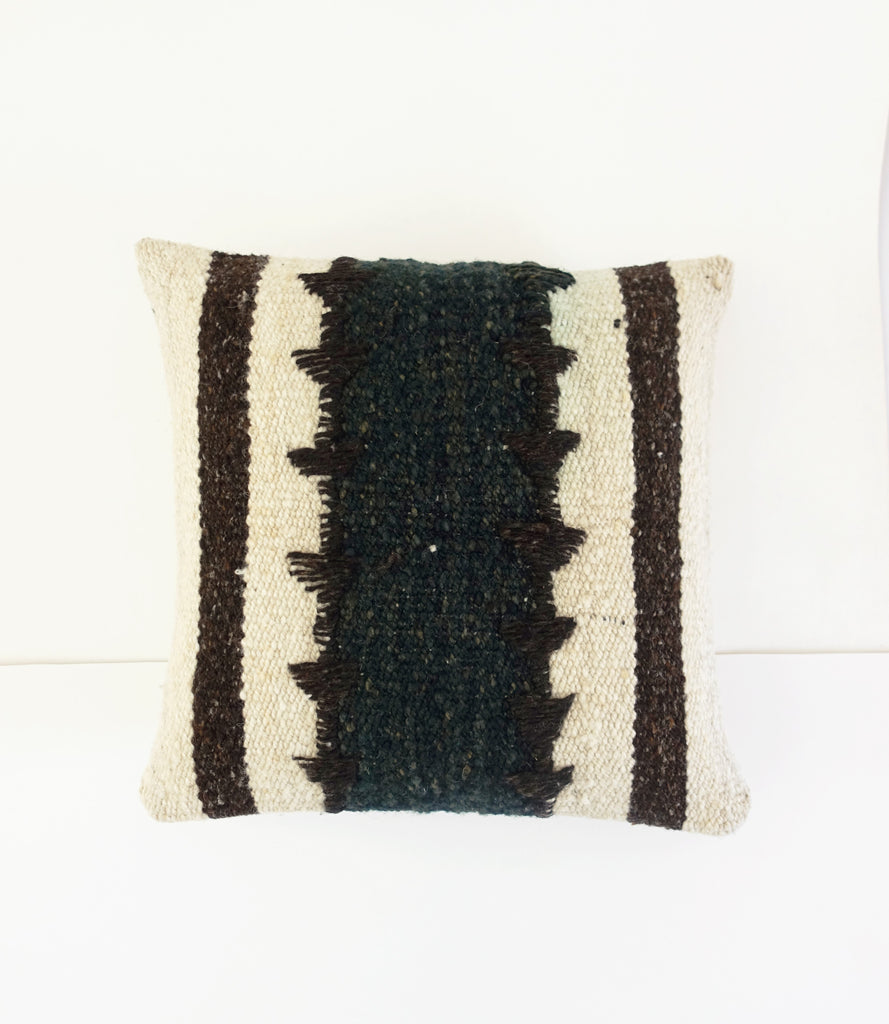 Midnight Frazada Wool Pillow