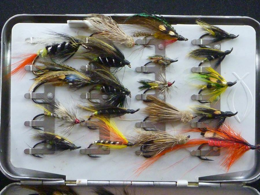 Perrine Salmon Fly Box (clips) with 58 flies