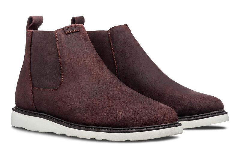 Richards Chelsea boots crafted on the ultralight Vibram Christy sole providing a streamlined look with enhanced durability and comfort made by CLAE