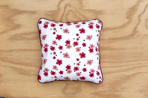 Manuka print in vintage pink 40cm Cushion