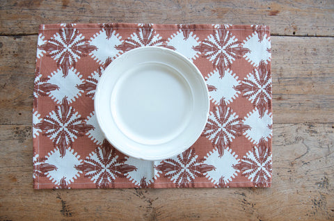 Pacifica print in brown place mat
