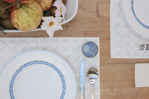 Kowhai lace print in white place mat