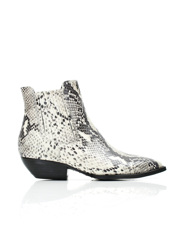 Dylan Boot White/Black Snake